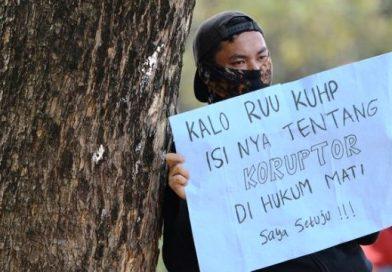 Mahasiswa AJAK Berdemo Desak Presiden JOKOWI Bikin Perppu